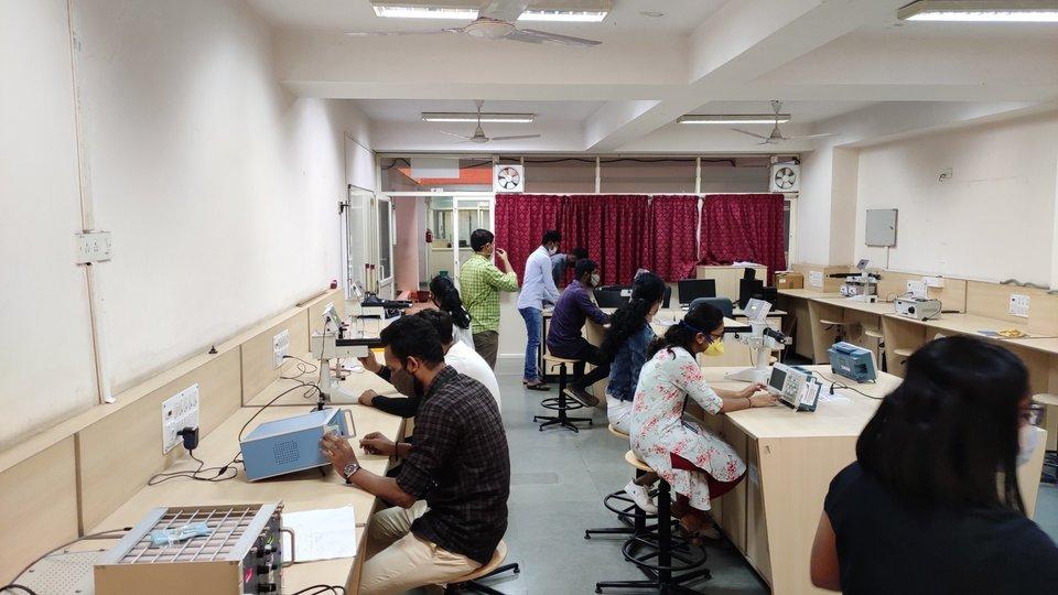 B Sc Hons lab General lab
