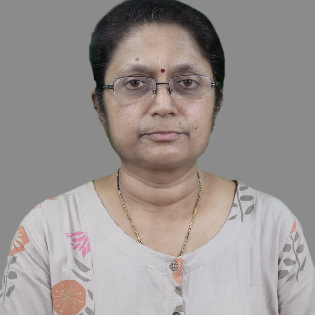 Dr Roopa